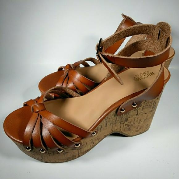 e2e406596277 Mossimo Platform high heels women s shoes size 6.5. NWT. Mossimo Supply Co.